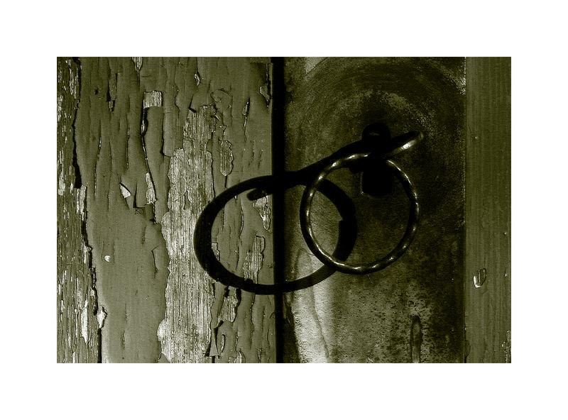 ...hinter alten Türen...