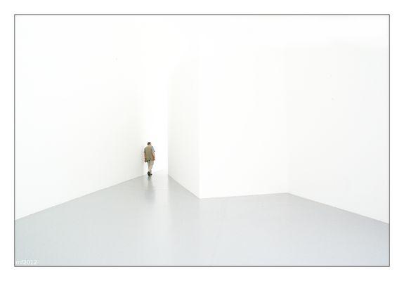 hinter / behind (mk2)