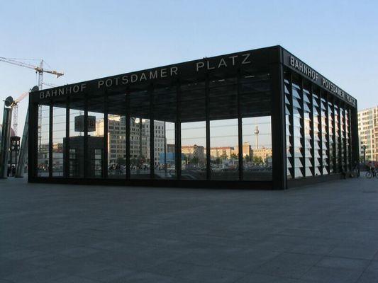 Hinter dem Potsdamer Platz