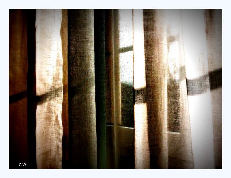 ...Hinter dem Vorhang...