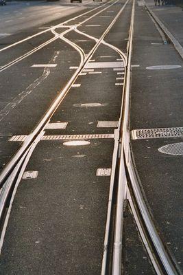 Hinter den sieben Gleisen