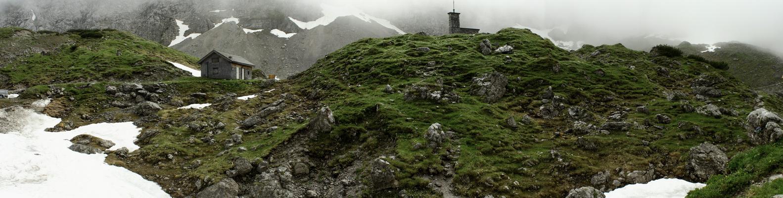 Hinter der Falkenhütte
