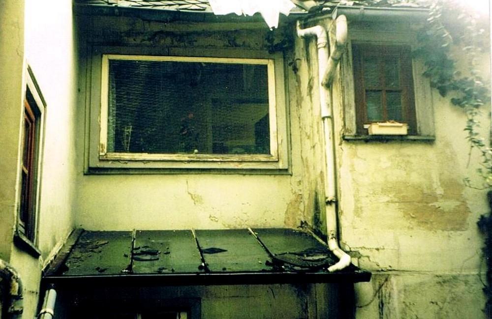 Hinter der Fassade (2) - Derrière la façade (2)