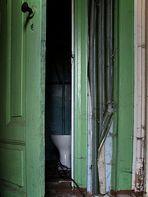 Hinter der Tür lauert...