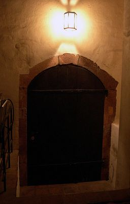 ...hinter dieser Tür ?!