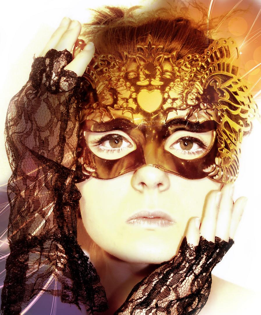 hinter Masken