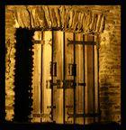 hinter verschlossen Toren
