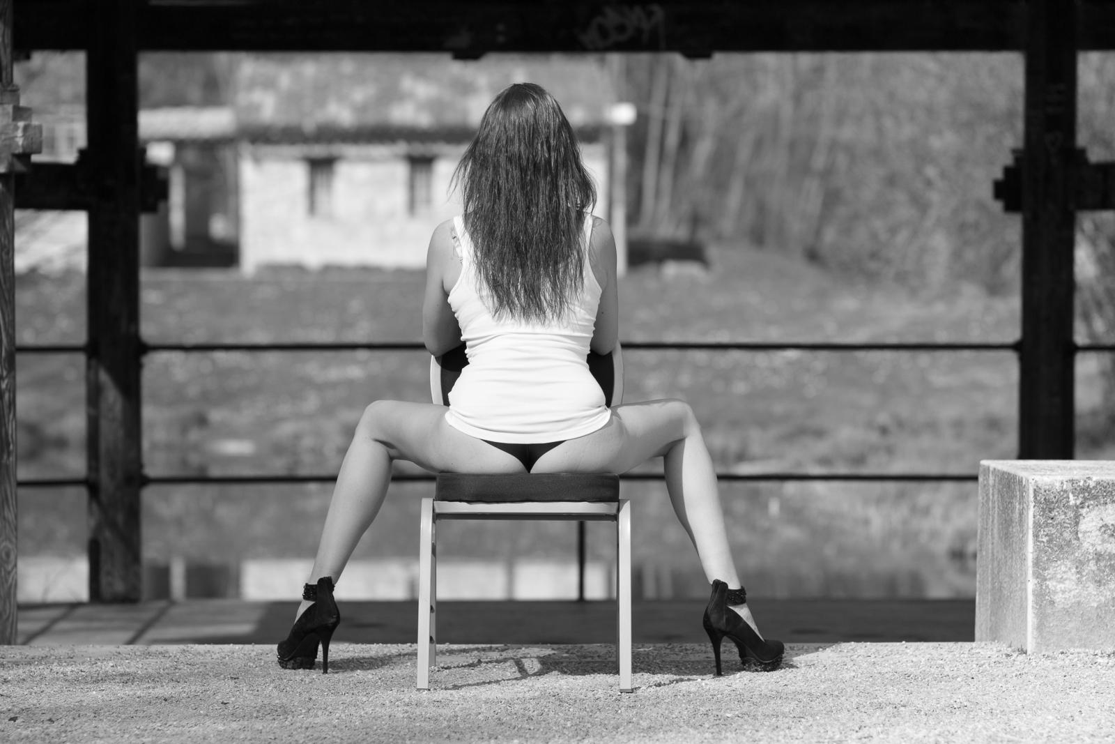 hinteransicht sitzen