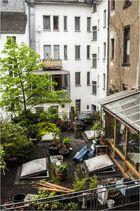Hinterhof- und Dachterrassenidylle ...