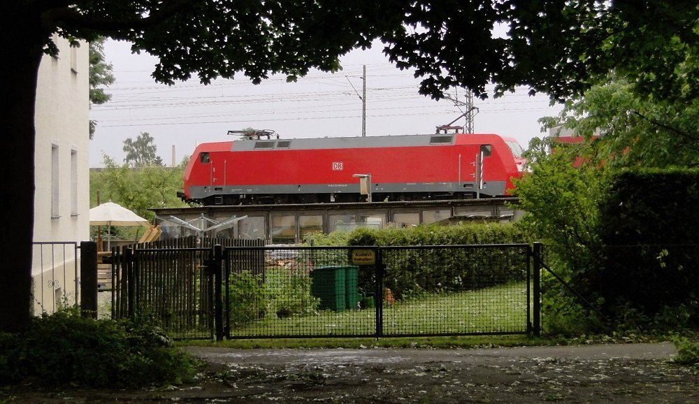 Hinterhofbahn /3 .... Mae