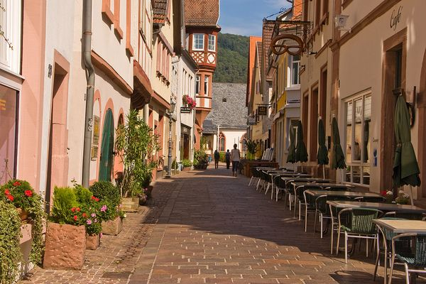 Hirschhorn - ein idyllische Altstadt mit schönen Fachwerkhäusern