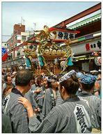 Hissha, hissha! - japanischer Wahnsinn in Asakusa