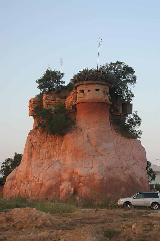 Historische Festung mit unsichtbarer Treppe