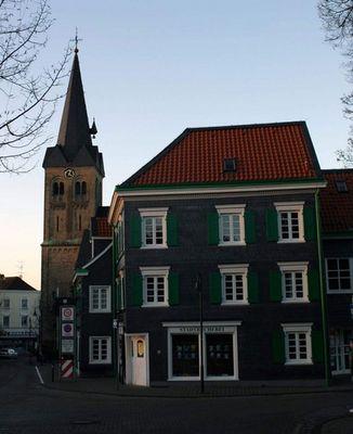 Historische Kirche in Burscheid