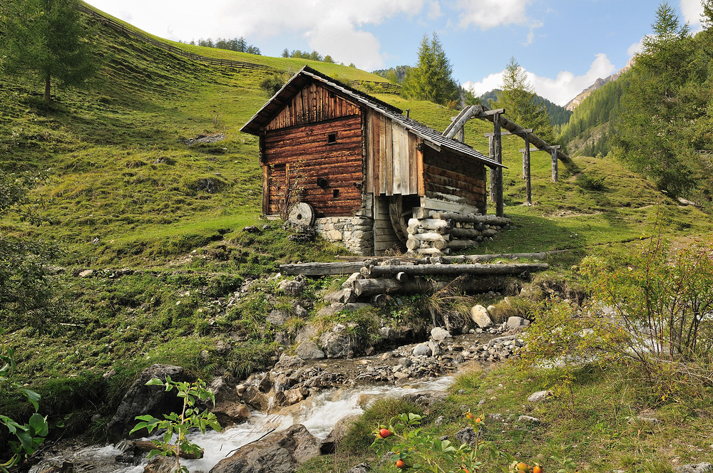Historische Wassermühlen bei Campill im Gardertal.