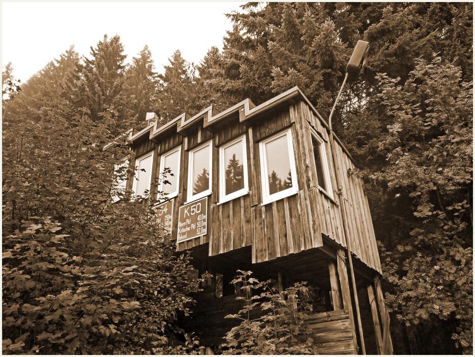 Historischer Sprungrichterturm