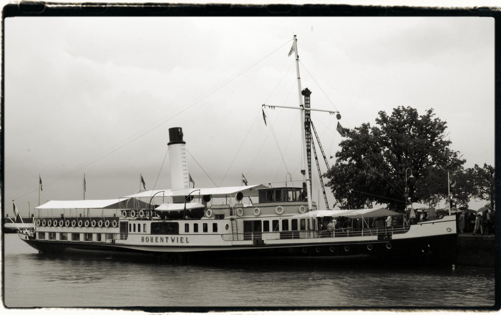 """Historisches Ausflugsschiff """"Hohentwiel"""""""