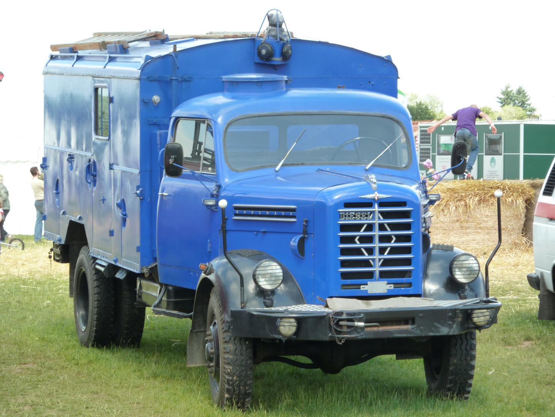 Historisches Fahrzeug - Technisches Hilfswerk