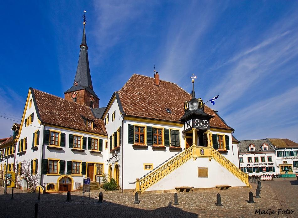 Historisches Rathaus Deidesheim Foto & Bild | deutschland ...