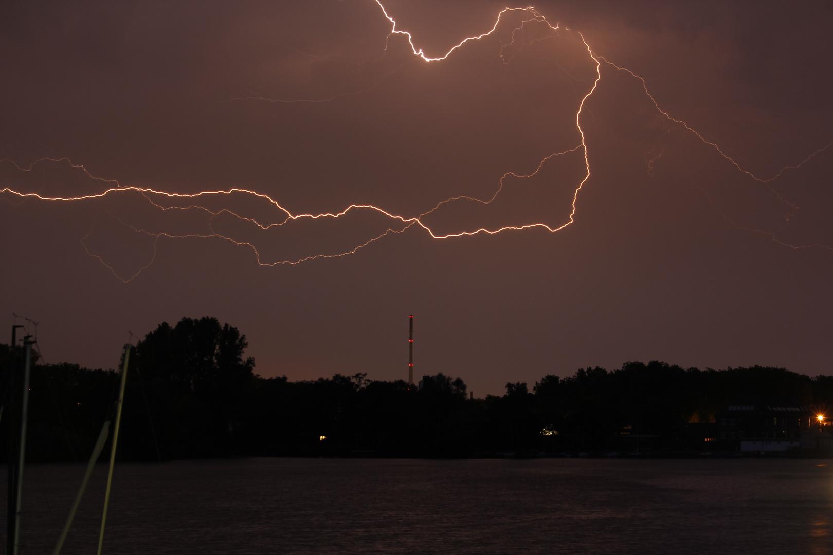 Hitzegewitter über Duisburg