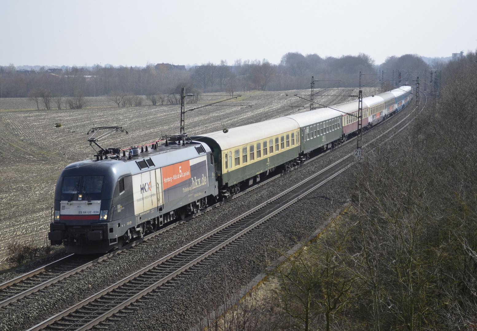 HKX 1802 mit 182 534 in Gessel (Syke)