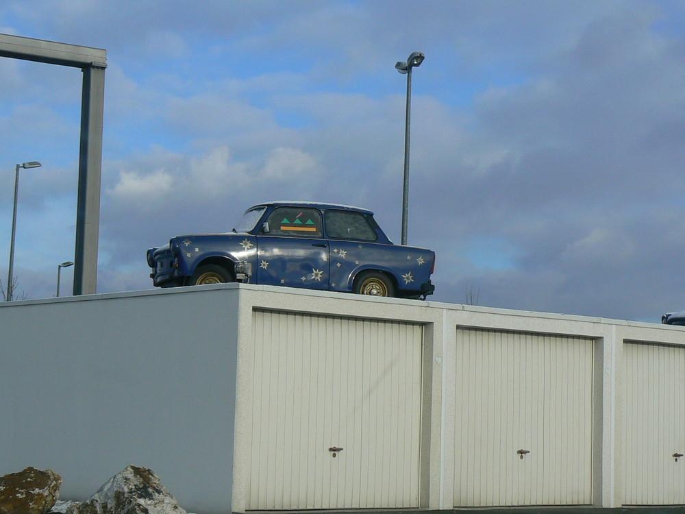 hm... ich dachte das Auto kommt in die Garage........