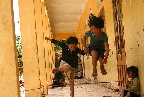 hmong girls playing