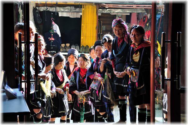 Hmong, Vang Pao's Nachkommen