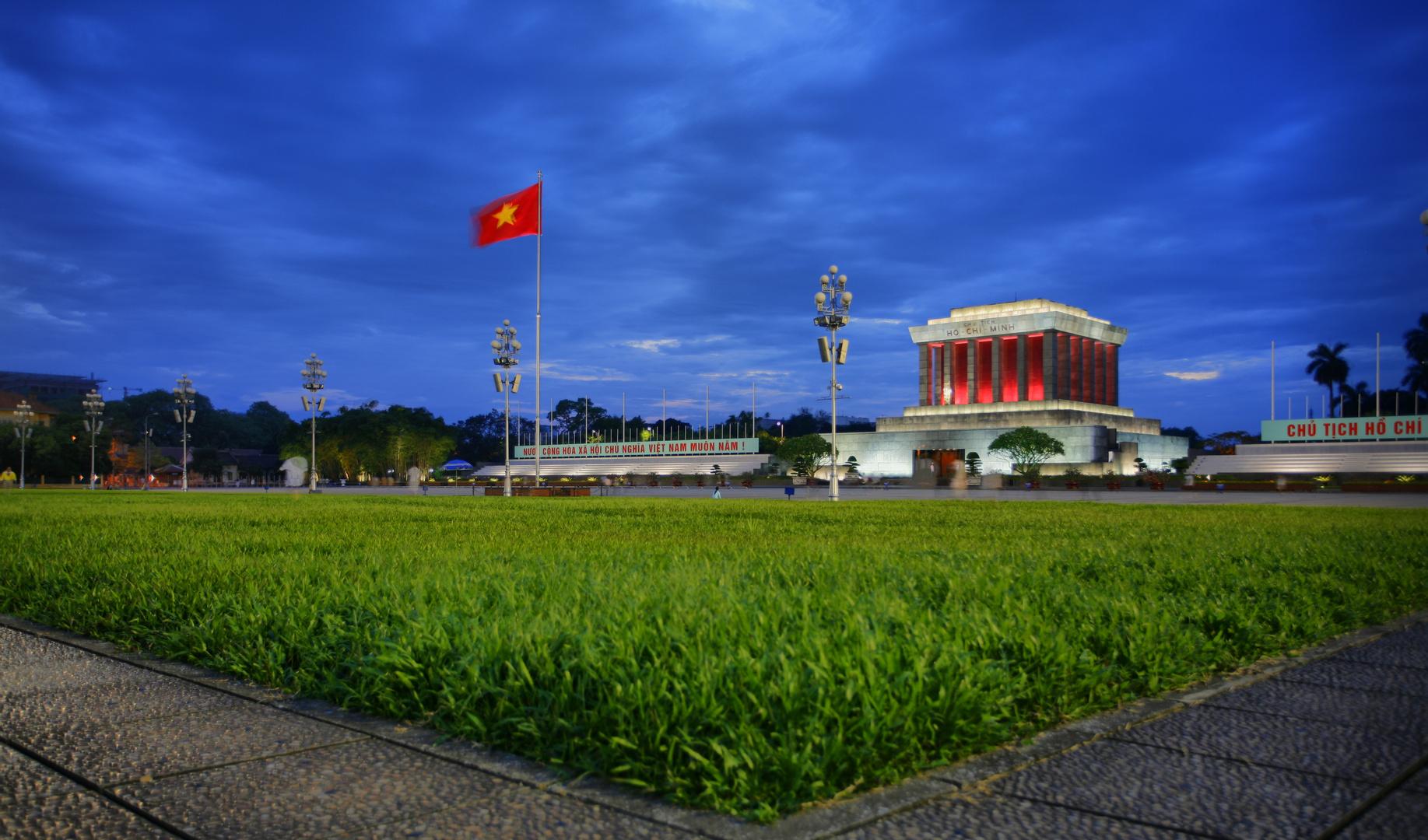 Ho Ho Ho Chi Minh Mausoleum zur blauen Stunde
