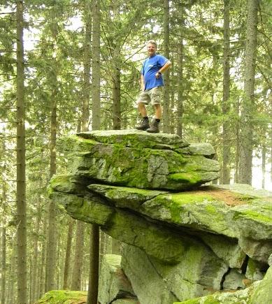Hoch auf einem Felsen