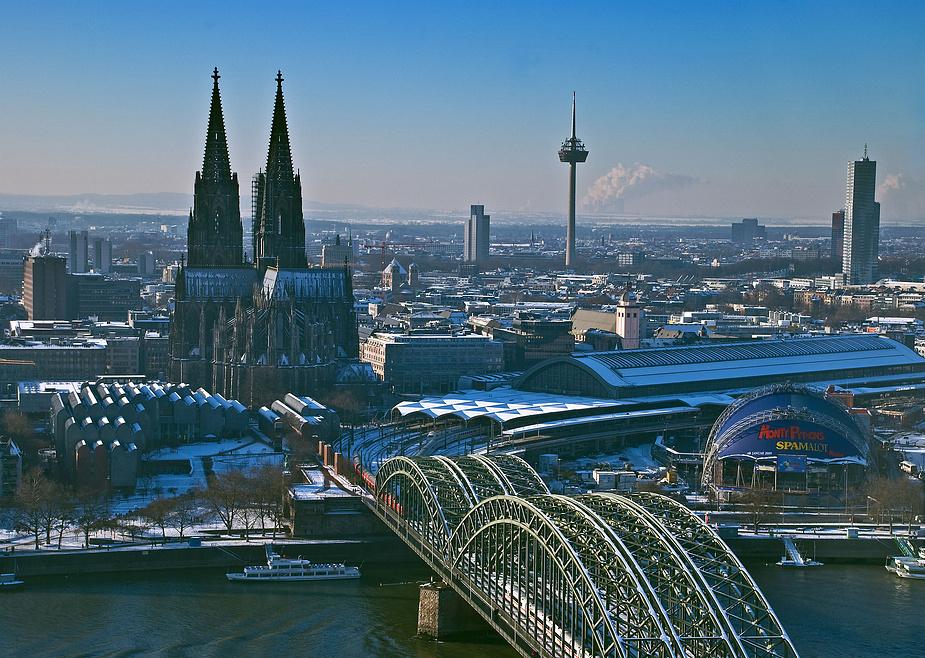 Hoch über Köln