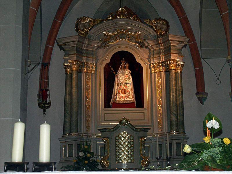 Hochaltar der Liebfrauenkirche in Bitburg