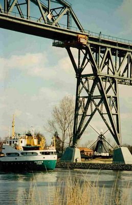 Hochdonn am N-O-See Kanal mit Windmühle 1997