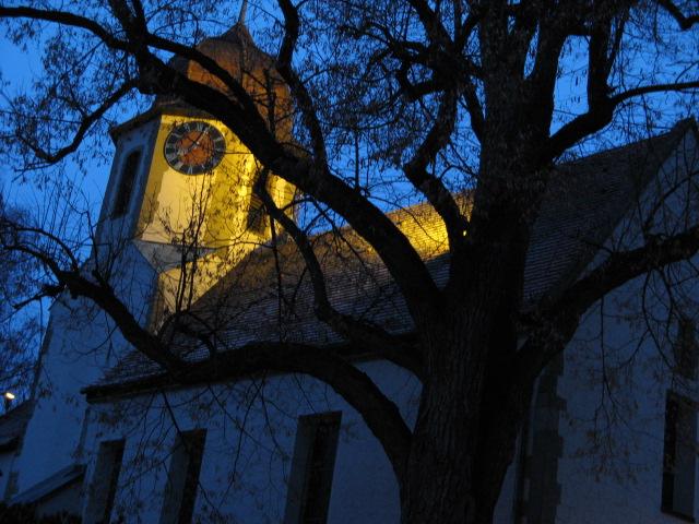 Hochdorfer Kirche frühmorgens