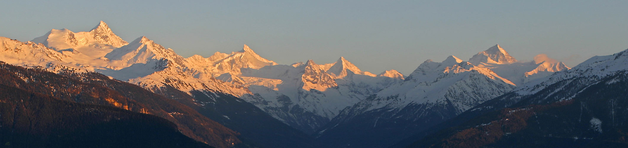 Hochgebirge im Abendlicht