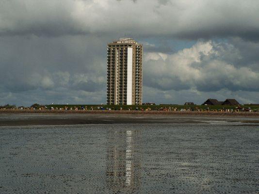 Hochhaus im Wasser