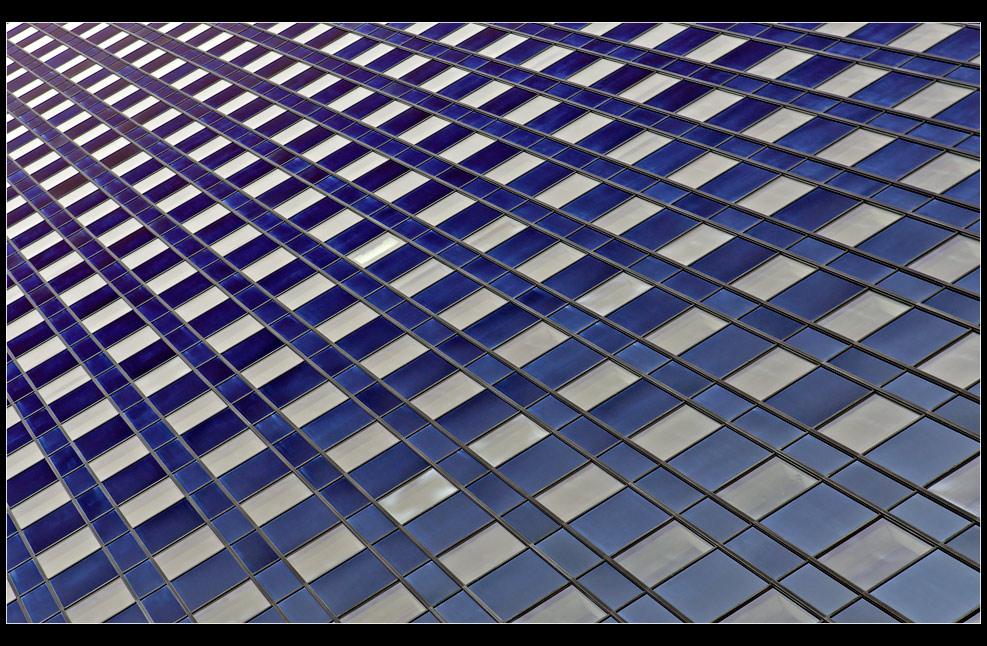 """Hochhausfassade - """"Mainhattan"""" VI"""