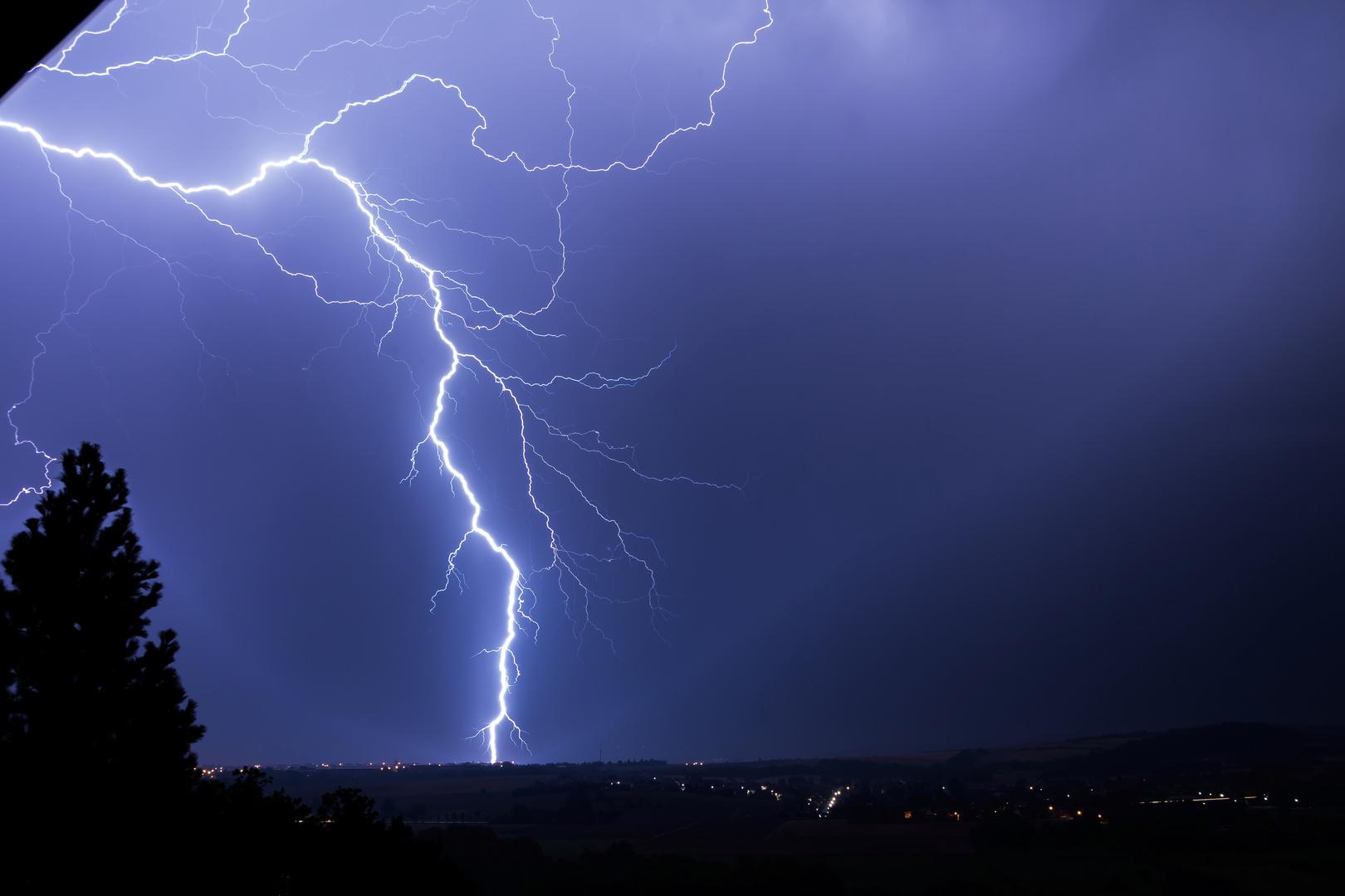Hochspannung ( Blitz )