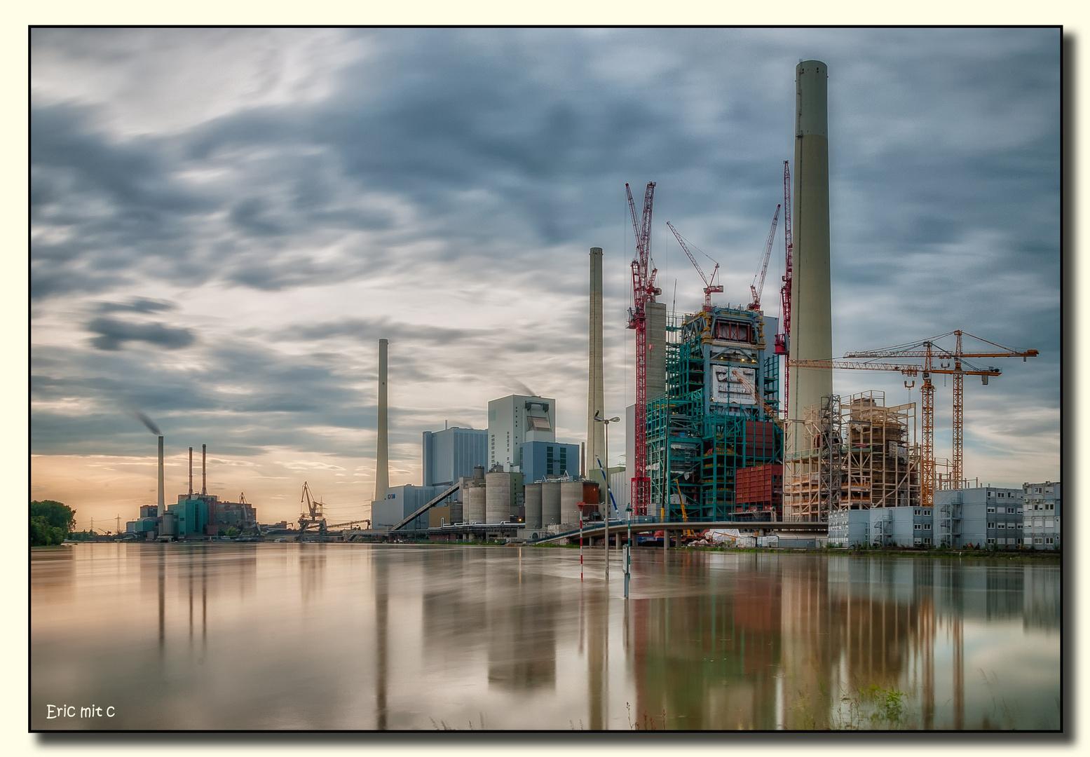 Hochwasser am Großkraftwerk Mannheim