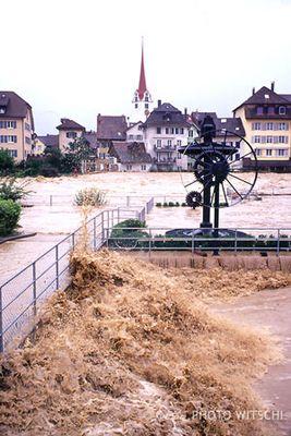Hochwasser der Reuss in Bremgarten, Aargau