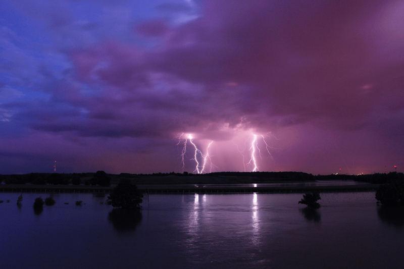 Hochwasser (Gewitter über Duisburg)