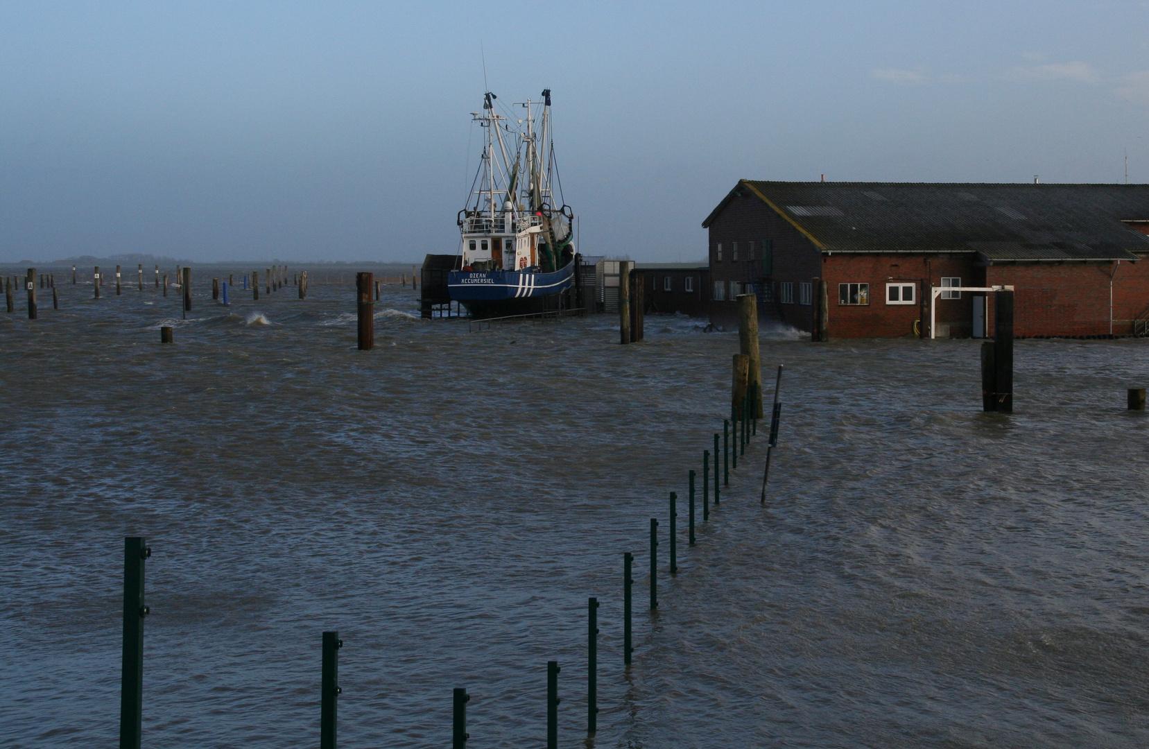 Hochwasser in Accumersiel