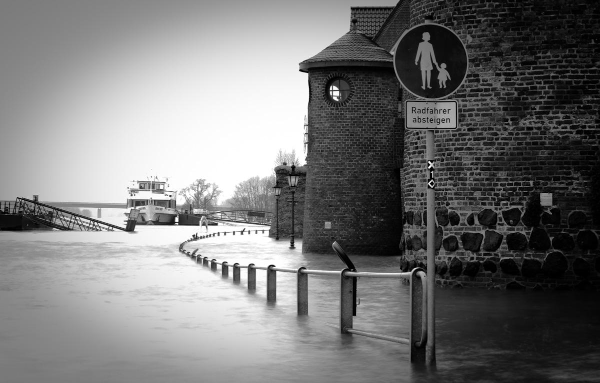 Hochwasser in Rees am Rhein