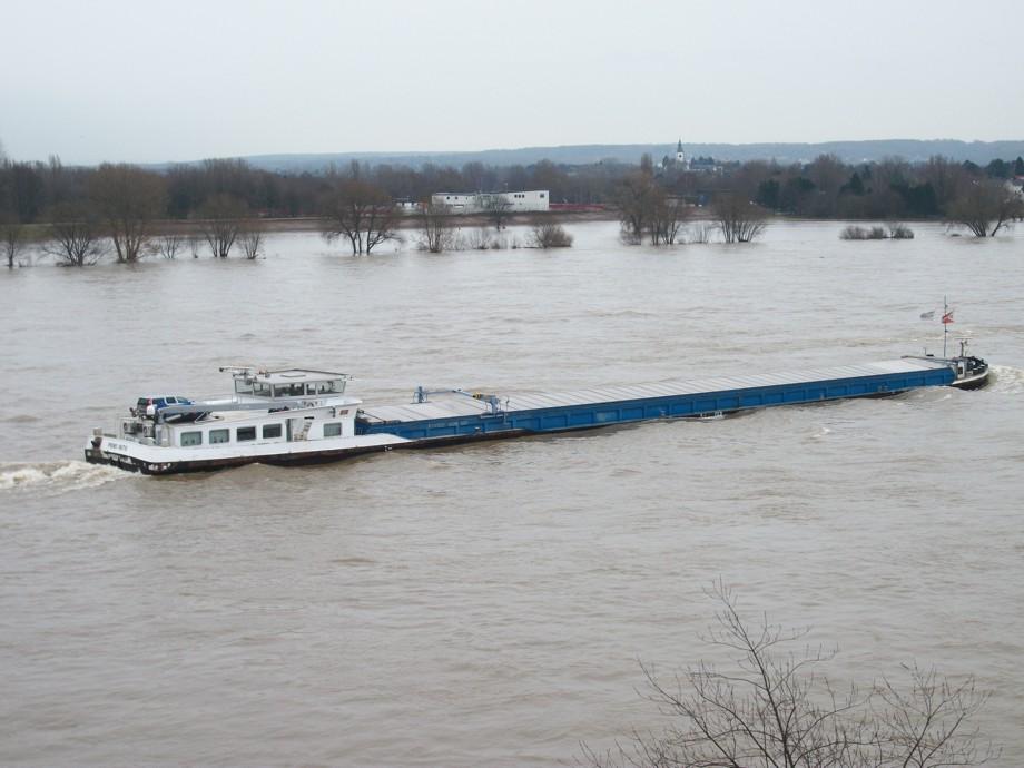 Hochwasser-Schifffahrt