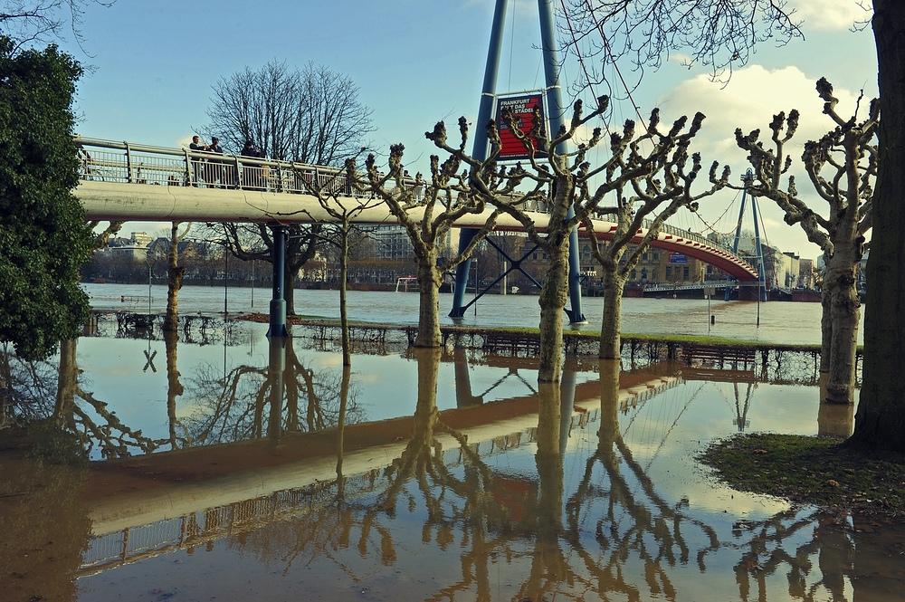 Hochwasser Touristen
