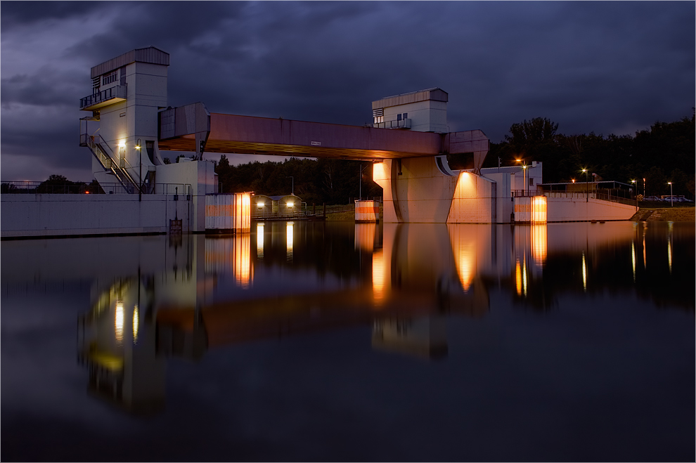 Hochwassersperrtor V2