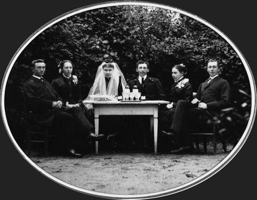 Hochzeit meiner Urgroßeltern - 27. September 1886 - mit Trauzeugen