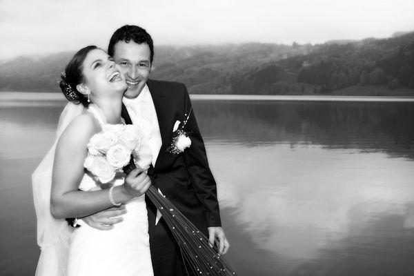 Hochzeit - Spaß im Regen