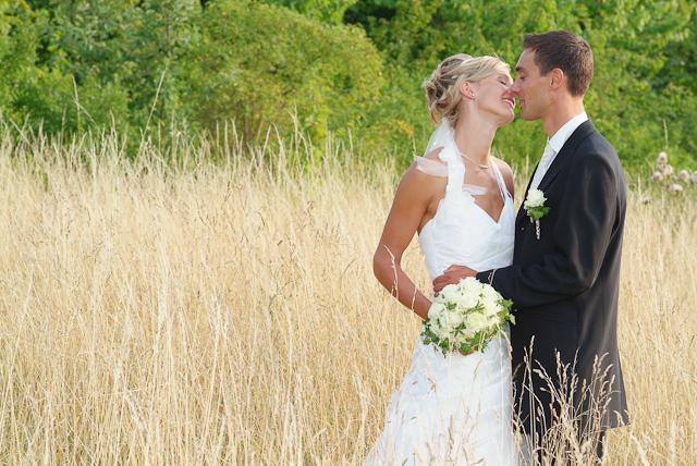 Hochzeitsfotografie - Brautpaar in der Natur