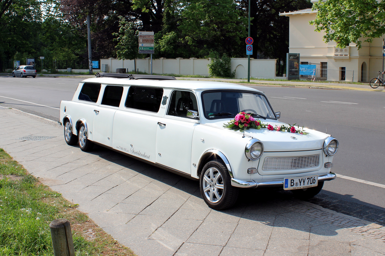hochzeitstrabant trabbi stretchlimousine. Black Bedroom Furniture Sets. Home Design Ideas